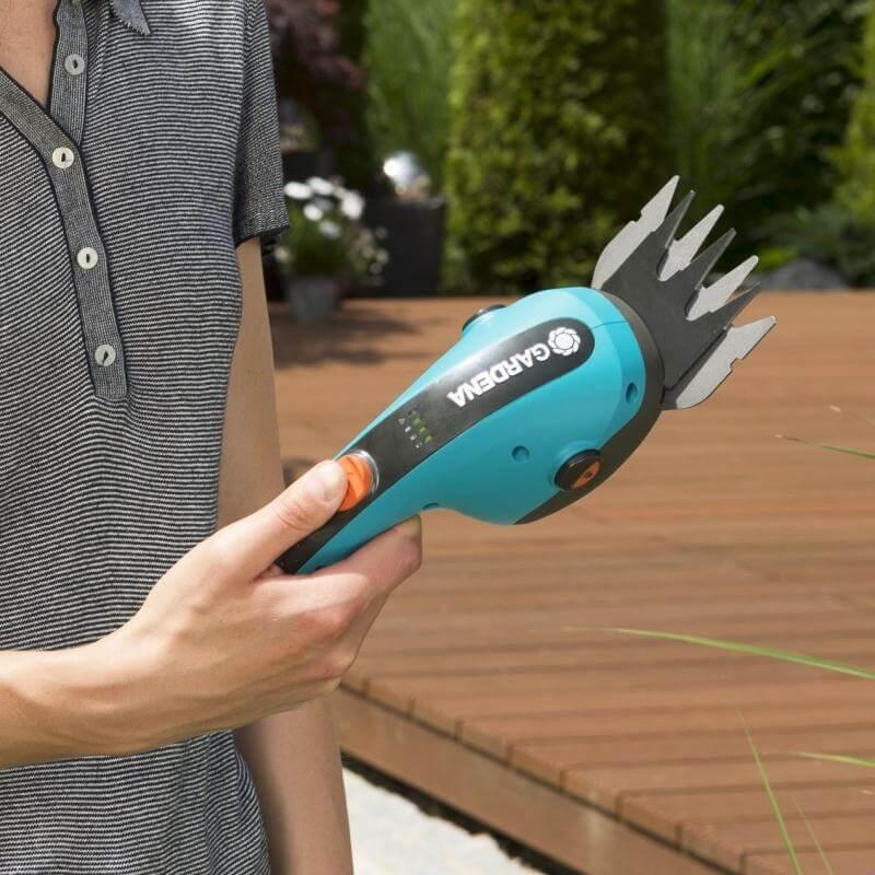 Ножницы аккумуляторные Gardena ClassicCut Li с телескопической ручкой
